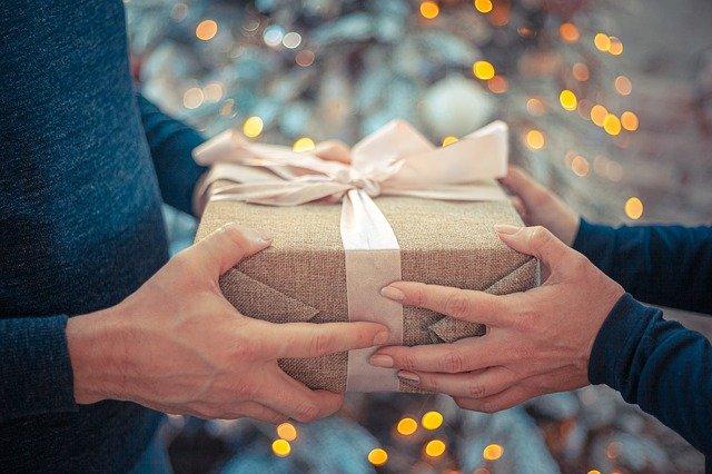 Cadeaux et bons d'achat : 171 € par salarié en 2021